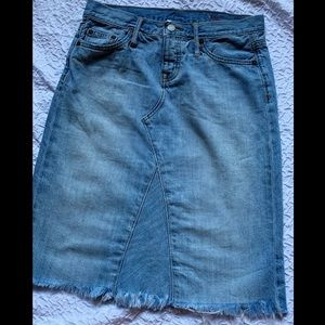 GAP Frayed Lightwash Jean Skirt